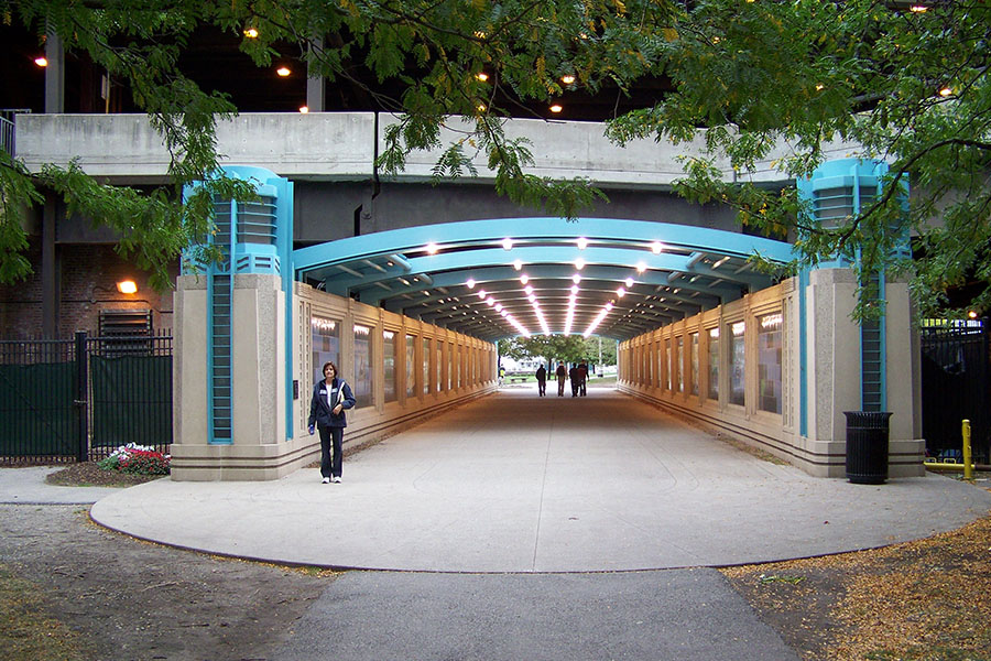 Duroweld_ProjectImages_CHICAGO RIVERWALK & LAKE SHORE DRIVE LIGHTED ARCHWAY STRUCTURES1_900x600