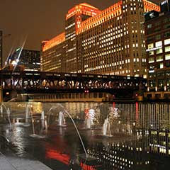 CHICAGO RIVERWALK FOUNTAIN FEATURES