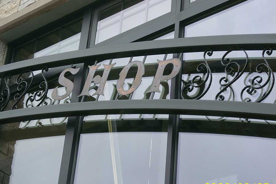 Duroweld_ProjectImages_STORE-FRONT-ARCH-RETAIL-SIGNAGE3_900x600